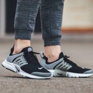Women's/Girls Nike Air Presto (Size 7y=8.5women)